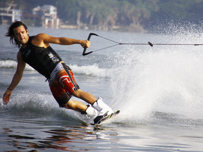 Wakeboarding in Pungol