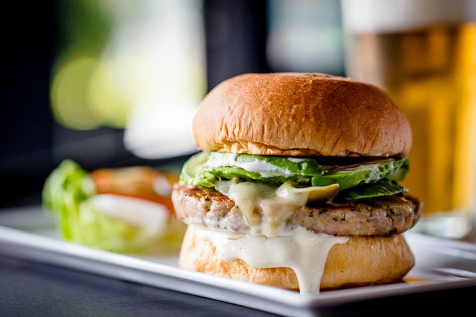 25 Degrees Burger & Liquor Bar