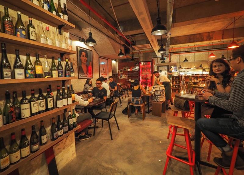 RVLT wine bar Singapore